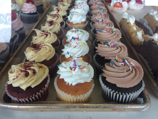 lacakery cupcakes